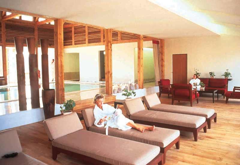 un spa dans les vignes le webzine des voyages par louise gaboury. Black Bedroom Furniture Sets. Home Design Ideas